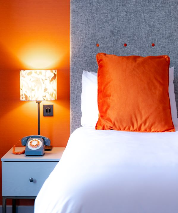 Cedar Court Hotel bedroom