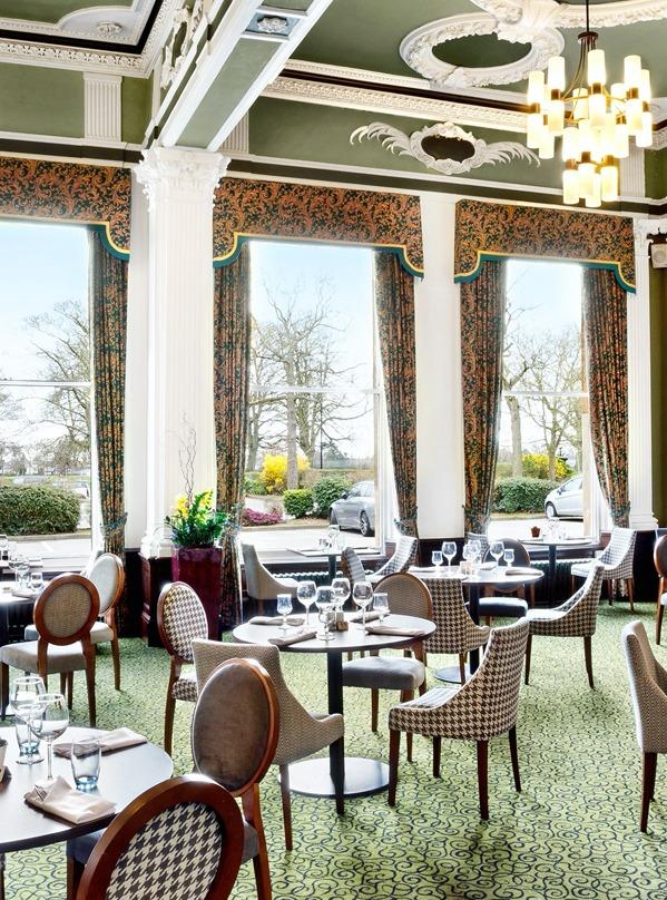 <Queens restaurant