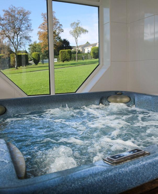 <hot tub