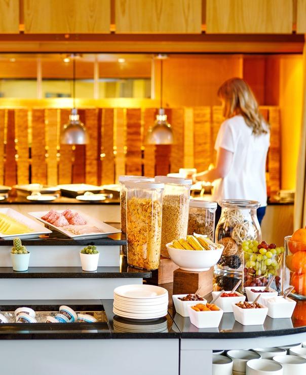 <Cedar Court Hotels Bradford Breakfast Buffet