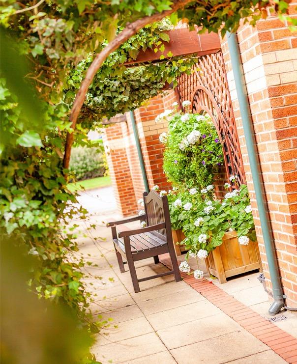 <Cedar Court Hotels Bradford Garden