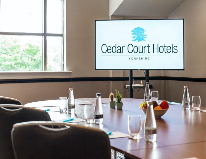 Cedar Court Bradford Meeting room sreen