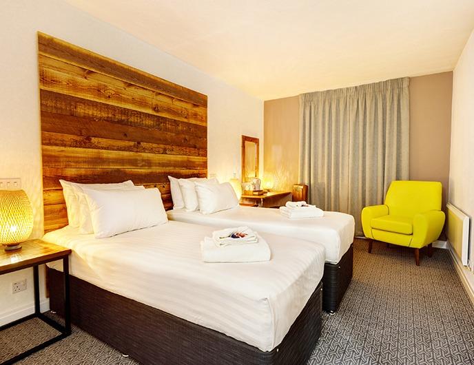 Cedar Court Hotels Bradford twin bedroom